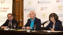 Dr. Lino Salvador Baraño, ministro de Ciencia; Dr. Manuel Castells; Dra. Ruth Ladenheim, directora general del CIECTI